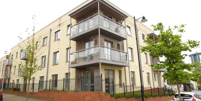 Offers Over £115,000, 2 Bedroom Flat For Sale in Plymouth, PL1