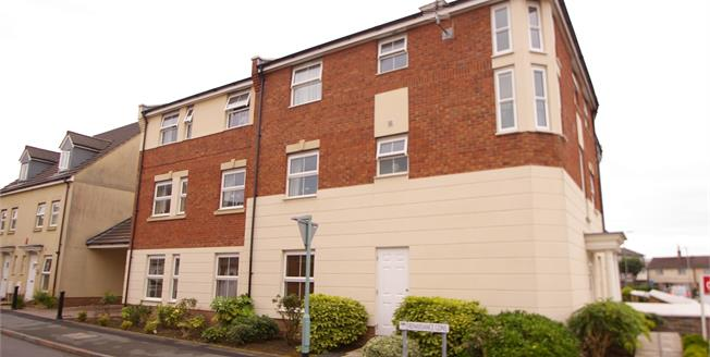 Guide Price £110,000, 2 Bedroom Flat For Sale in Plymouth, PL2