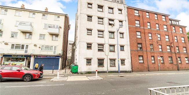 Guide Price £50,000, 1 Bedroom Flat For Sale in Plymouth, PL1