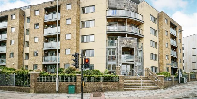 Offers in excess of £125,000, 1 Bedroom Flat For Sale in Plymouth, PL1