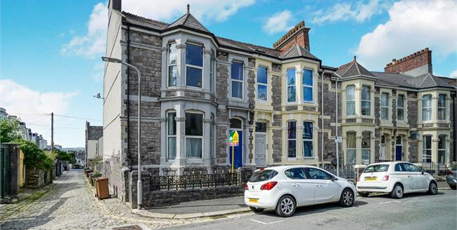 Asking Price £330,000, 7 Bedroom Terraced House For Sale in Plymouth, PL4