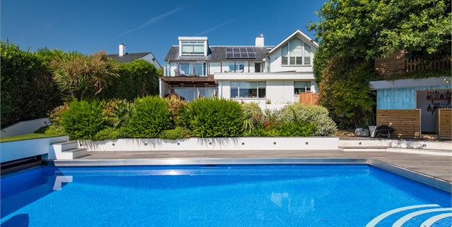 Guide Price £2,000,000, 5 Bedroom Detached House For Sale in Hove, BN3