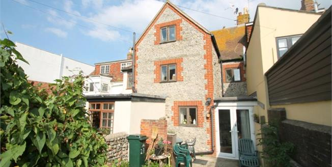 Guide Price £380,000, 4 Bedroom Terraced House For Sale in Rottingdean, BN2