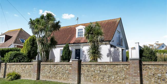 Guide Price £700,000, 3 Bedroom Detached House For Sale in Rottingdean, BN2