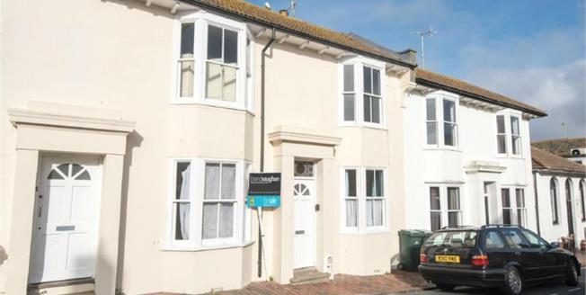 Guide Price £200,000, 1 Bedroom Ground Floor Flat For Sale in Rottingdean, BN2