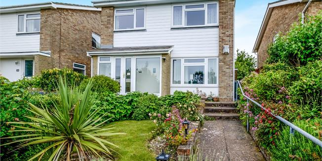 Guide Price £450,000, 4 Bedroom Detached House For Sale in Rottingdean, BN2