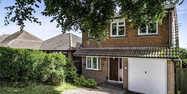 Guide Price £400,000, 4 Bedroom Detached House For Sale in Brighton, BN2