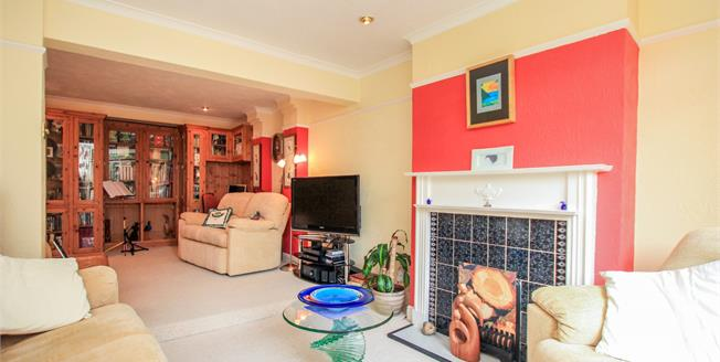 Guide Price £475,000, 4 Bedroom Basement House For Sale in Brighton, BN1
