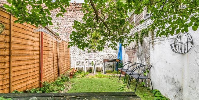Offers Over £400,000, 3 Bedroom Terraced House For Sale in Brighton, BN2