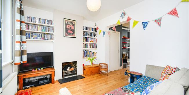 Guide Price £325,000, 2 Bedroom Terraced House For Sale in Brighton, BN2