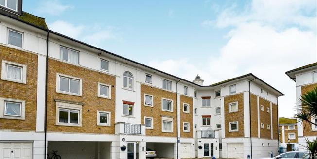 Guide Price £325,000, 2 Bedroom Upper Floor Flat For Sale in Brighton Marina Village, BN2