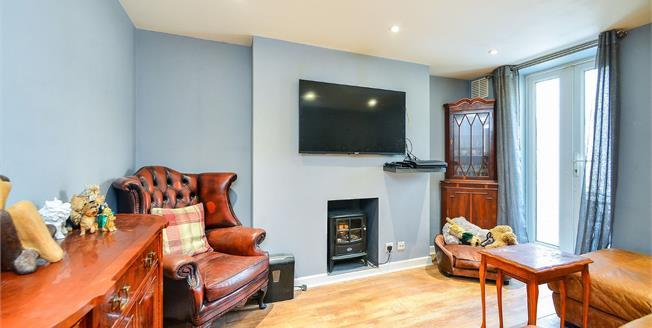 Guide Price £270,000, 1 Bedroom Flat For Sale in Brighton, BN2