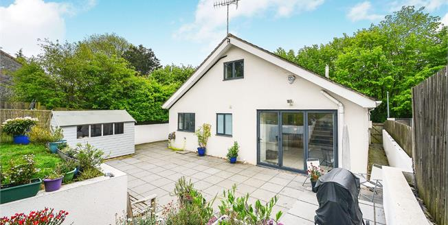 Guide Price £600,000, 4 Bedroom Detached House For Sale in Patcham, BN1