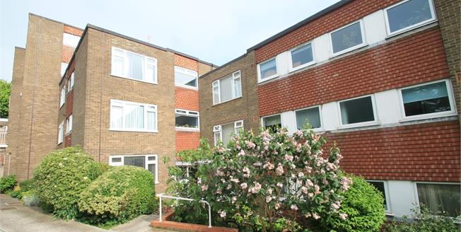 Asking Price £220,000, 1 Bedroom Flat For Sale in Brighton, BN2