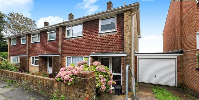 Asking Price £360,000, 3 Bedroom Semi Detached House For Sale in Brighton, BN1
