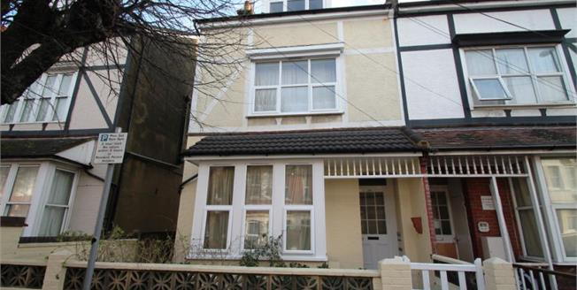 £375,000, 7 Bedroom Semi Detached For Sale in Bognor Regis, PO21