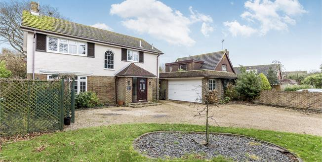 Guide Price £610,000, 4 Bedroom Detached House For Sale in Bognor Regis, PO21