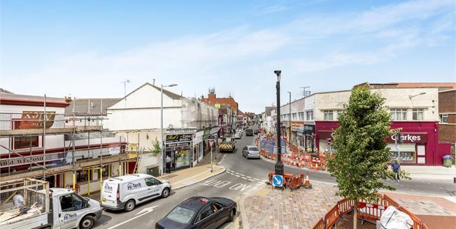Asking Price £110,000, 1 Bedroom Flat For Sale in Bognor Regis, PO21