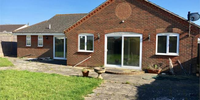 Asking Price £425,000, 4 Bedroom Detached Bungalow For Sale in Bognor Regis, PO21