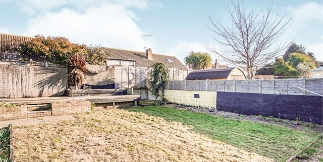 Guide Price £300,000, 3 Bedroom Detached Bungalow For Sale in Wick, BN17
