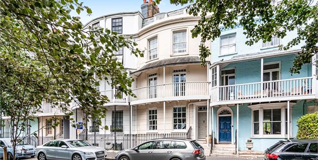 Asking Price £650,000, 8 Bedroom Terraced House For Sale in West Sussex, BN17