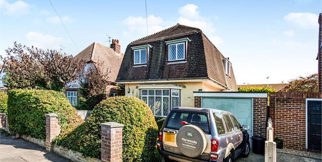Guide Price £300,000, 2 Bedroom Detached House For Sale in Bognor Regis, PO22