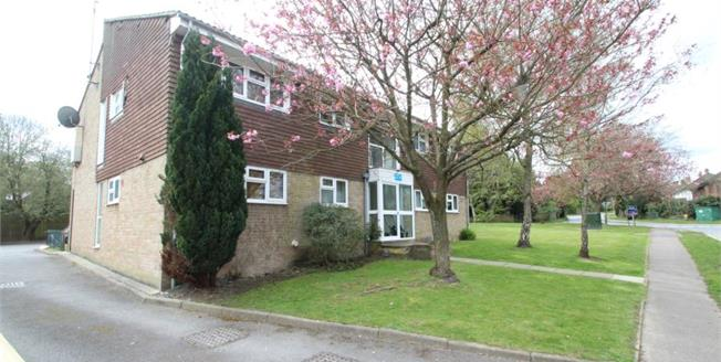 Guide Price £220,000, 2 Bedroom Flat For Sale in Crawley Down, RH10