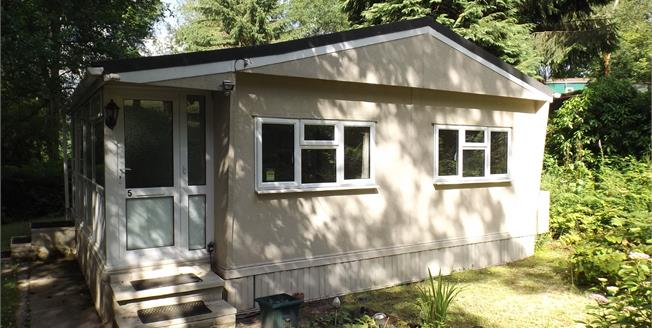 Guide Price £120,000, 2 Bedroom Detached Mobile Home For Sale in Turners Hill, RH10