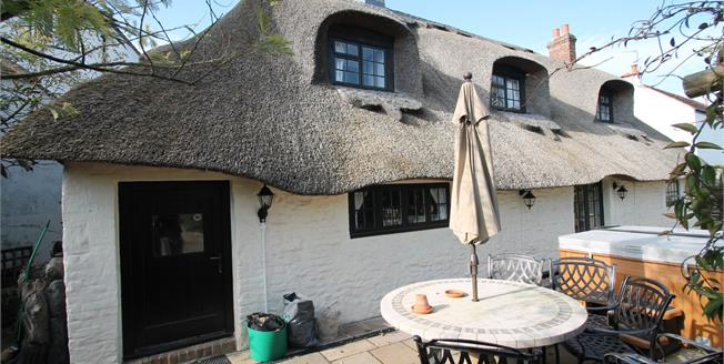 Asking Price £575,000, 3 Bedroom Detached Cottage For Sale in Bognor Regis, PO22