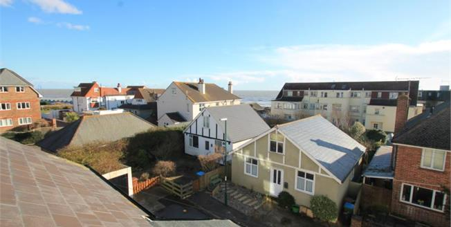 £150,000, 1 Bedroom Flat For Sale in Bognor Regis, PO22