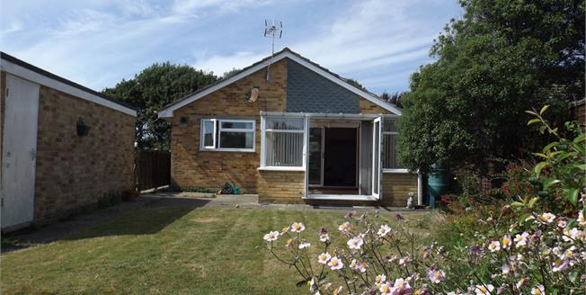 Offers Over £305,000, 2 Bedroom Detached Bungalow For Sale in Bognor Regis, PO22