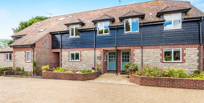 Asking Price £450,000, 3 Bedroom Terraced House For Sale in West Sussex, GU29