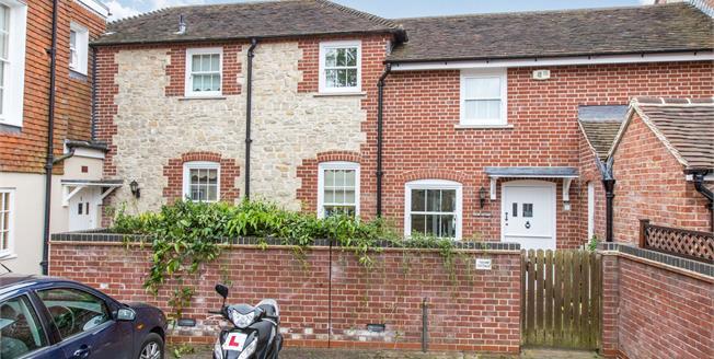 £330,000, 3 Bedroom Terraced House For Sale in Midhurst, GU29
