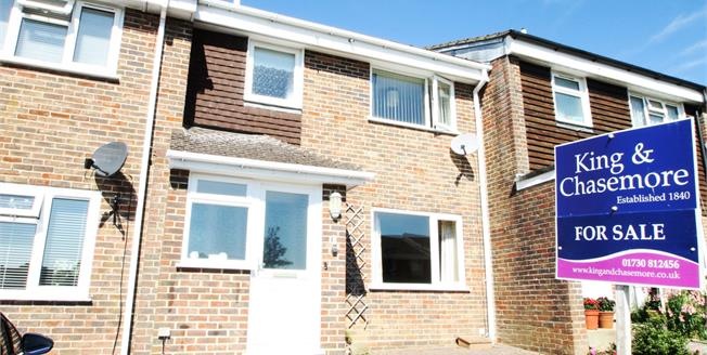 Fixed Price £300,000, 3 Bedroom Terraced House For Sale in Petworth, GU28