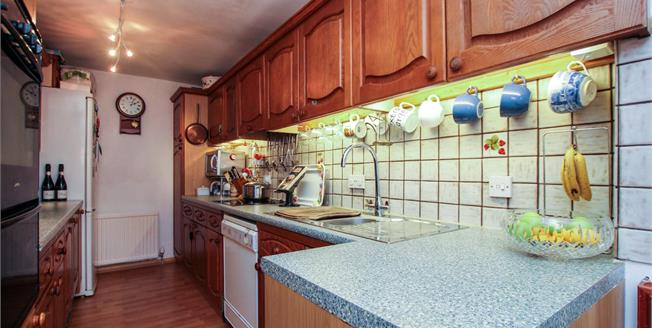 Asking Price £515,000, 3 Bedroom Detached Cottage For Sale in Steyning, BN44