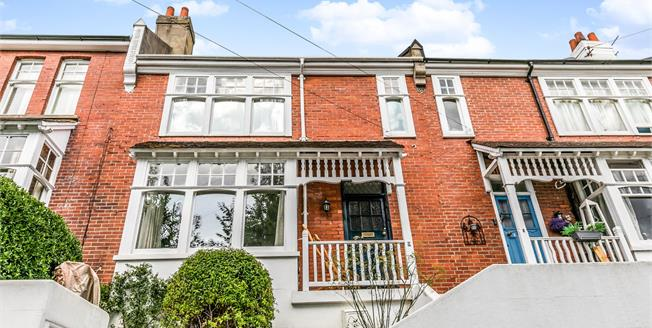 Guide Price £600,000, 4 Bedroom Terraced House For Sale in Brighton, BN1