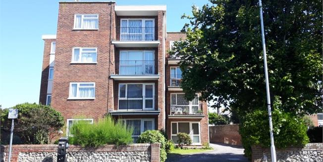 Asking Price £210,000, 2 Bedroom Upper Floor Flat For Sale in Worthing, BN11