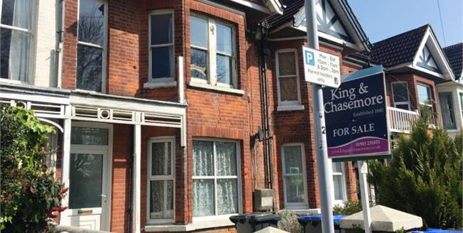 £110,000, 1 Bedroom Flat For Sale in West Sussex, BN11