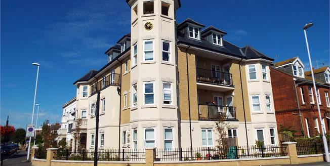 Asking Price £450,000, 3 Bedroom Flat For Sale in Worthing, BN11