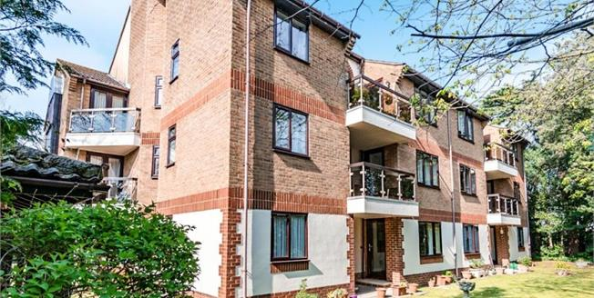 Offers Over £235,000, 2 Bedroom Flat For Sale in Worthing, BN11
