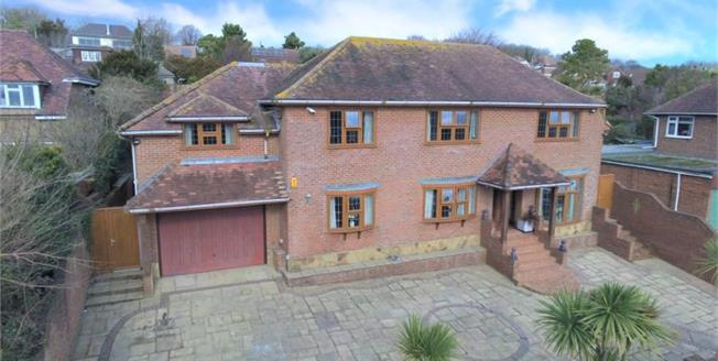 £925,000, 6 Bedroom Detached House For Sale in Lancing, BN15