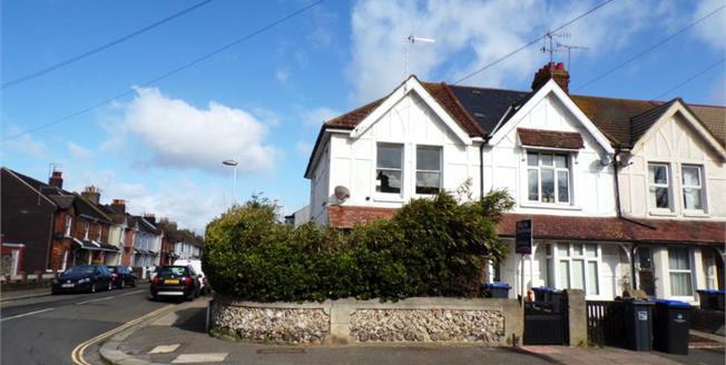 Guide Price £210,000, 2 Bedroom Upper Floor Maisonette For Sale in Worthing, BN14