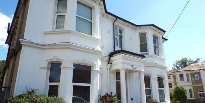 Offers in excess of £160,000, 1 Bedroom Flat For Sale in West Sussex, BN11