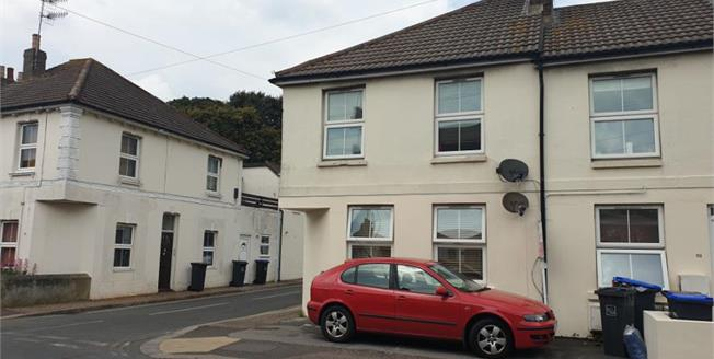 Offers in excess of £170,000, 2 Bedroom Flat For Sale in Worthing, BN11