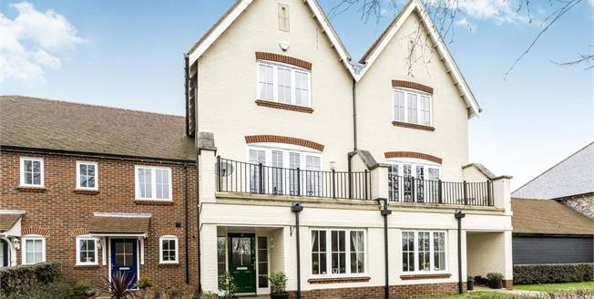 Guide Price £390,000, 3 Bedroom Terraced House For Sale in Westhampnett, PO18