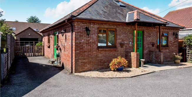 Guide Price £340,000, 2 Bedroom Detached Bungalow For Sale in Chichester, PO19