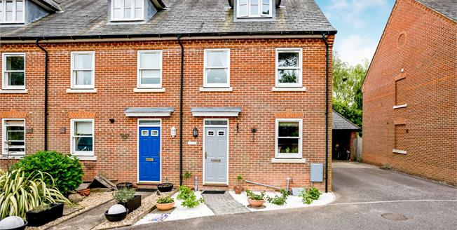 Guide Price £350,000, 3 Bedroom End of Terrace House For Sale in Westhampnett, PO18