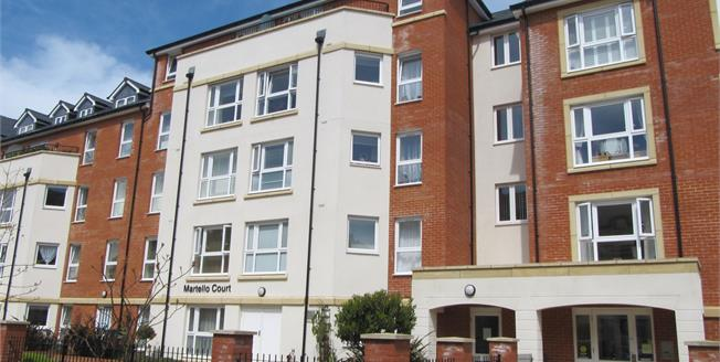Guide Price £210,000, 2 Bedroom Flat For Sale in Eastbourne, BN21