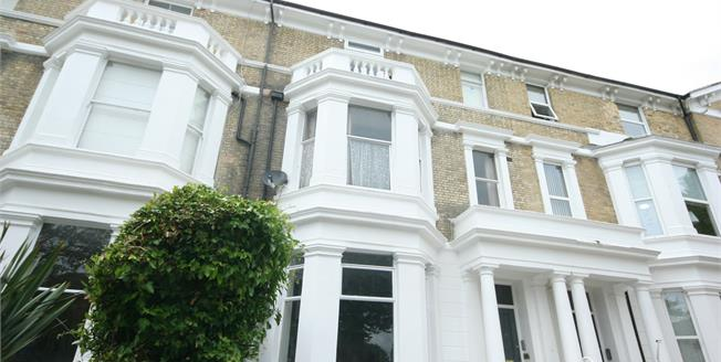 Asking Price £260,000, 2 Bedroom Flat For Sale in Eastbourne, BN21