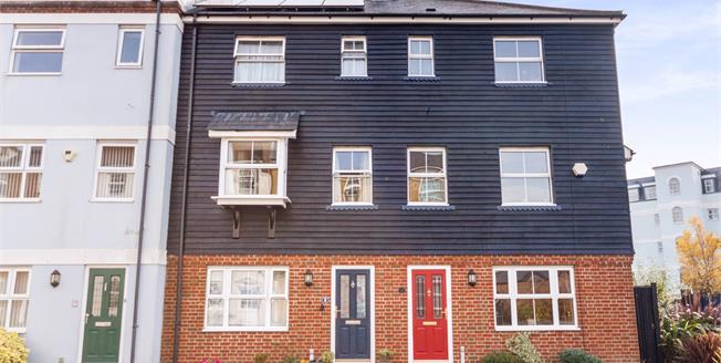 Guide Price £325,000, 4 Bedroom Terraced House For Sale in Eastbourne, BN23